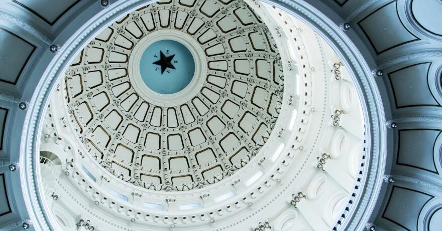 1-State_Capitol_Interior_2013_-_Filipa_Rodrigues_3.JPG