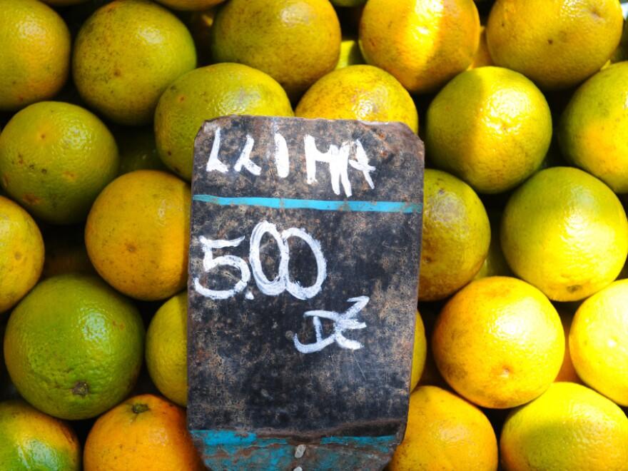 Oranges for sale at a market in Rio de Janeiro, Brazil.