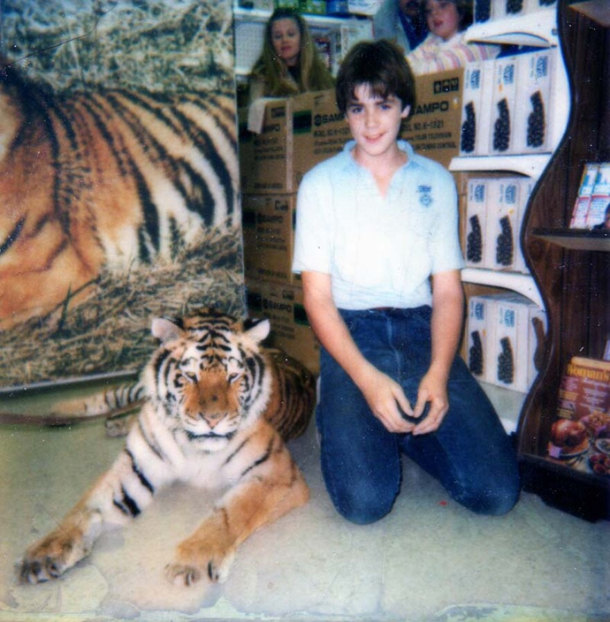6.19.20_Steve Klein with tiger Cedar Cove_Steve Klein.jpg