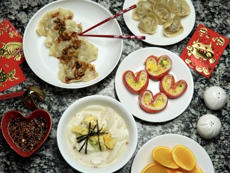 <em>Mandus</em> (top), imitation crab <em>jeon</em> (center right), <em>tteokguk</em> (bottom left)