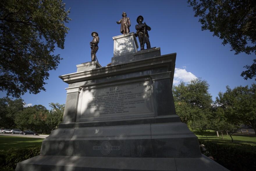 Confederate_monument.jpg