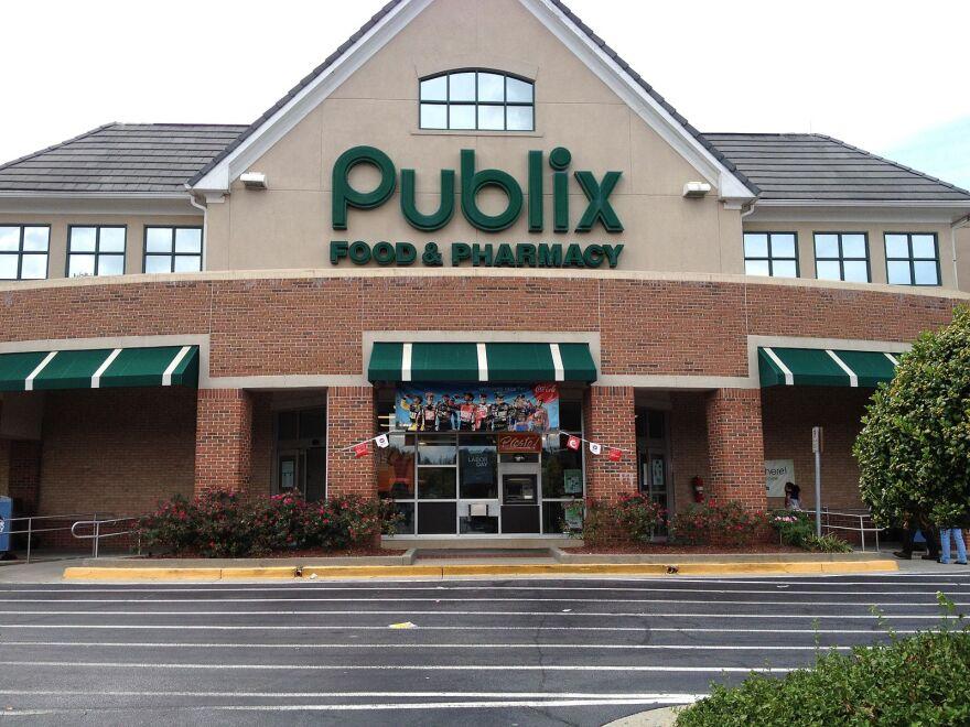 Publix supermarket building exterior