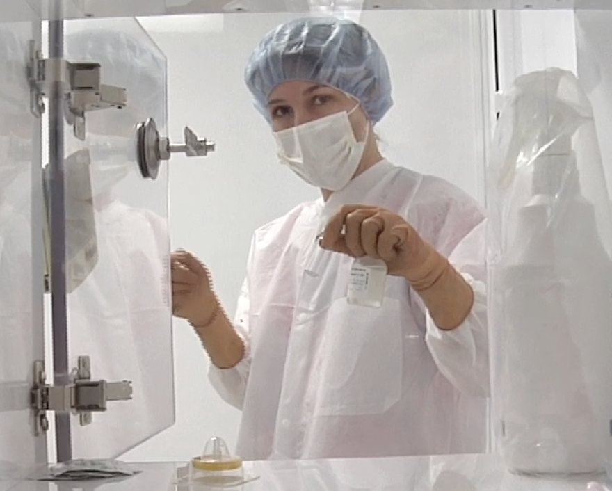 pharmacist_michelle_alfonso_showing_proper_sterile_technique.png