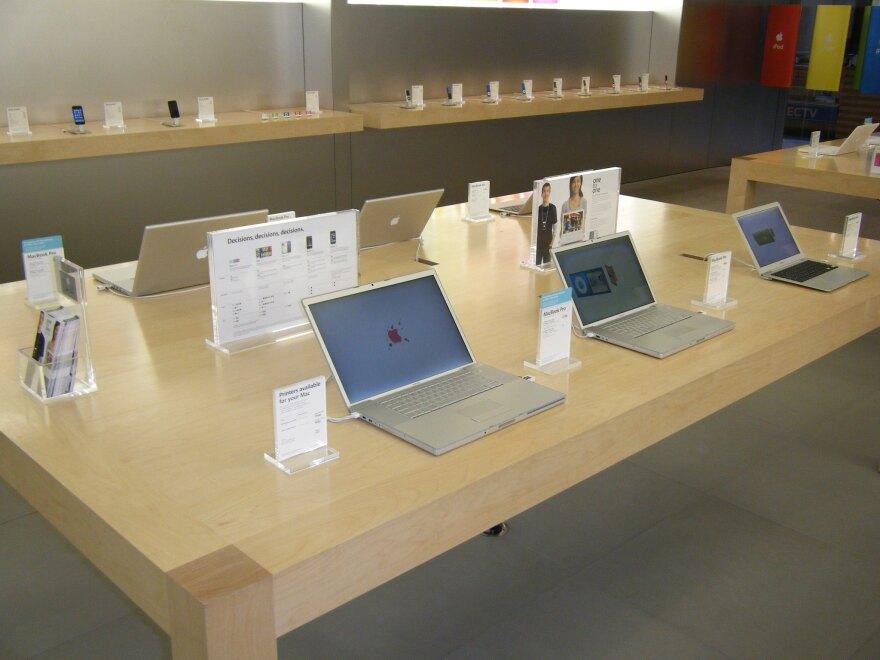 apple_store_denver.jpg