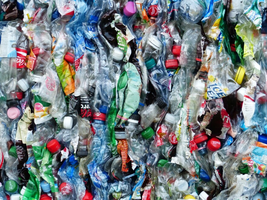 plastic-bottles-waste-cube-garbage-recycling-1125480-pxhere.com_.jpg