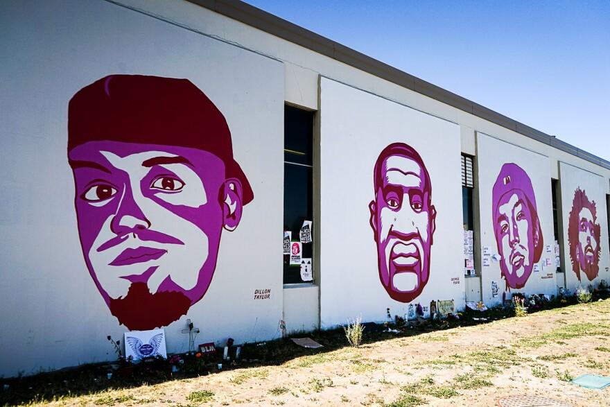 Photo of mural.