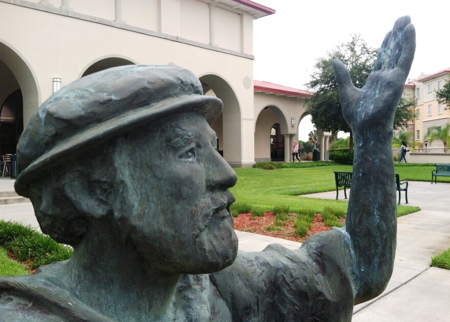 saintleo_statue.jpg