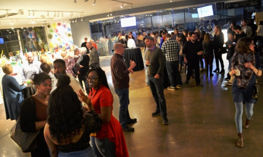 The first-ever Sans Bar STL event drew a large crowd to the Third Degree Art Factory, despite a conscientious lack of booze.