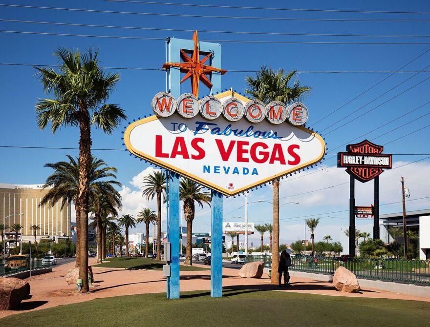 Welcome_to_Fabulous_Las_Vegas.jpg