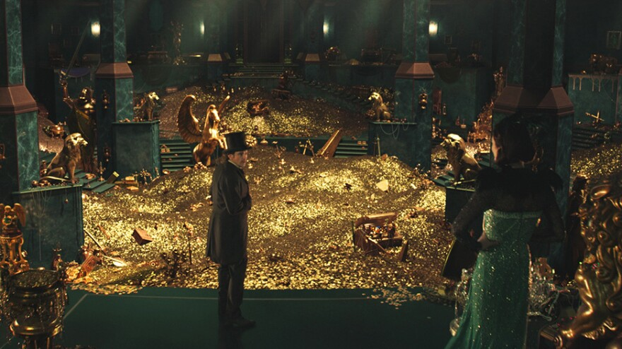 James Franco stars as the Wizard of Oz before the Wizard meets Dorothy in <em>Oz the Great and Powerful</em>.