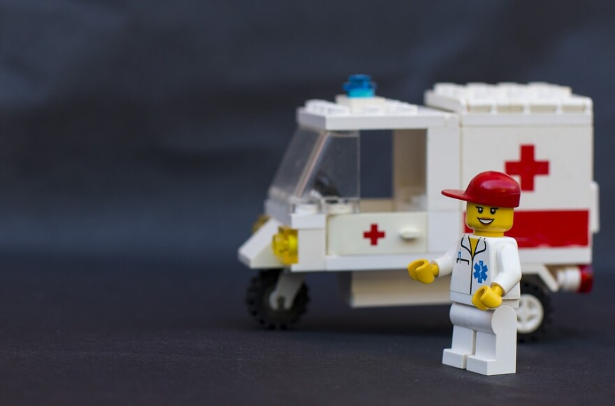 lego_ambulance_and_nurse.jpg