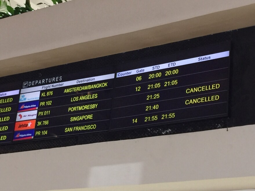 airline flight departures listing