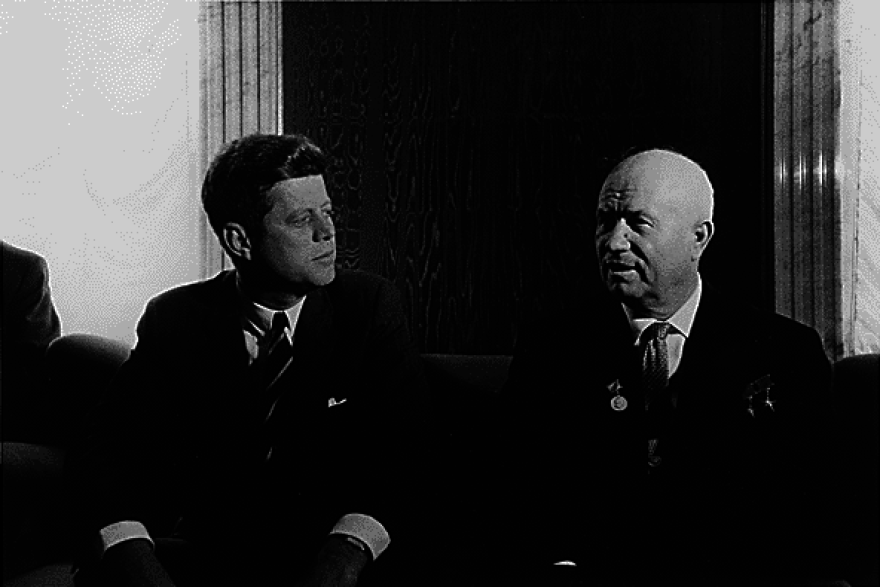 Kennedy_and_Khrushchev_in_Vienna_1961.png