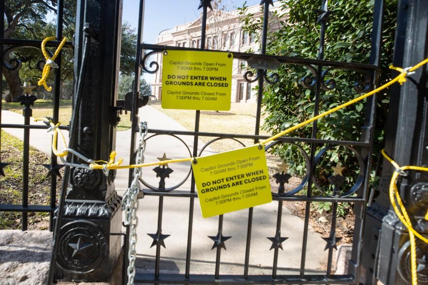 Closed Capitol.jpg
