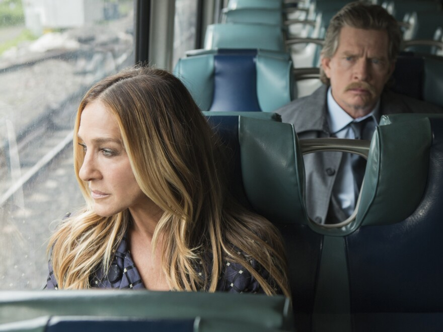 Sarah Jessica Parker and Thomas Haden Church play divorced parents on the HBO comedy series <em>Divorce</em>.