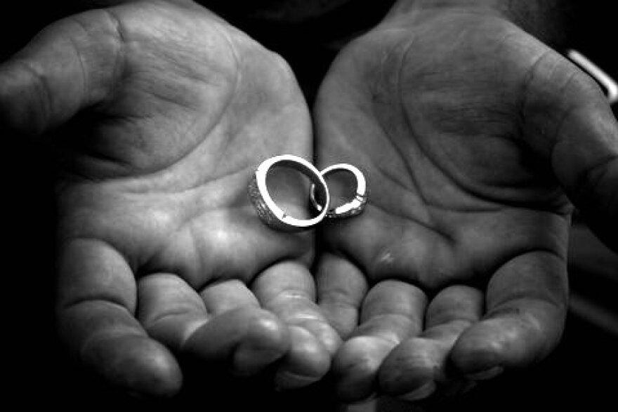 Wedding_rings_2.jpg