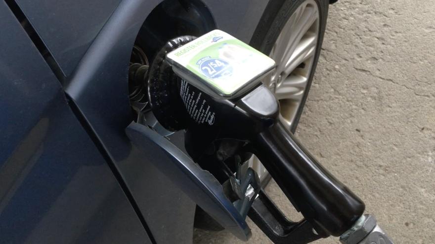 a photo of a gas pump