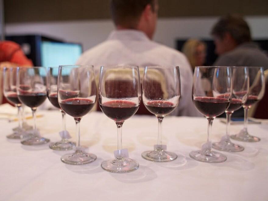 wine_glasses.jpeg