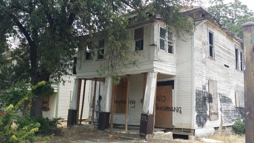 vacant-building-140625.jpg