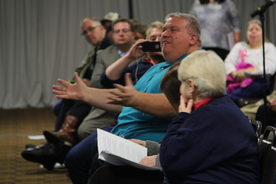 Angry residents at a meeting about the Bridgeton landfill's air quality in Jan. 2019.