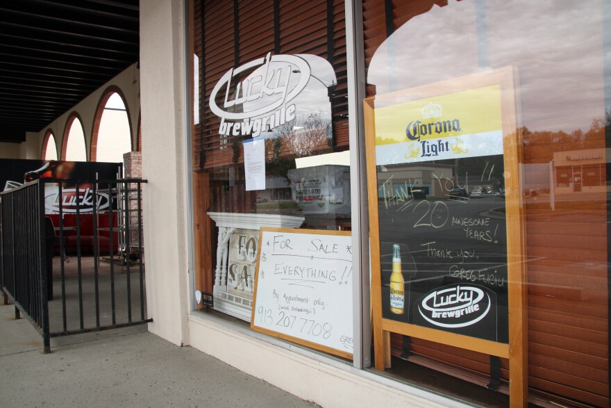 042220 Lucky Brewgrille will close after 20 years on Johnson Drive by Lisa Rodriguez.JPG