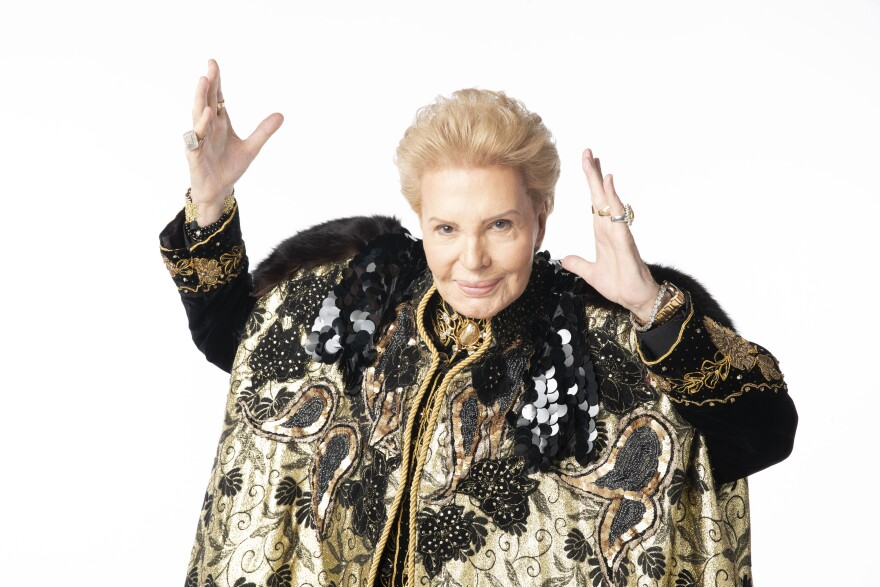 Courtesy-Walter-Mercado-Documentary-Main-TSWEB.jpg