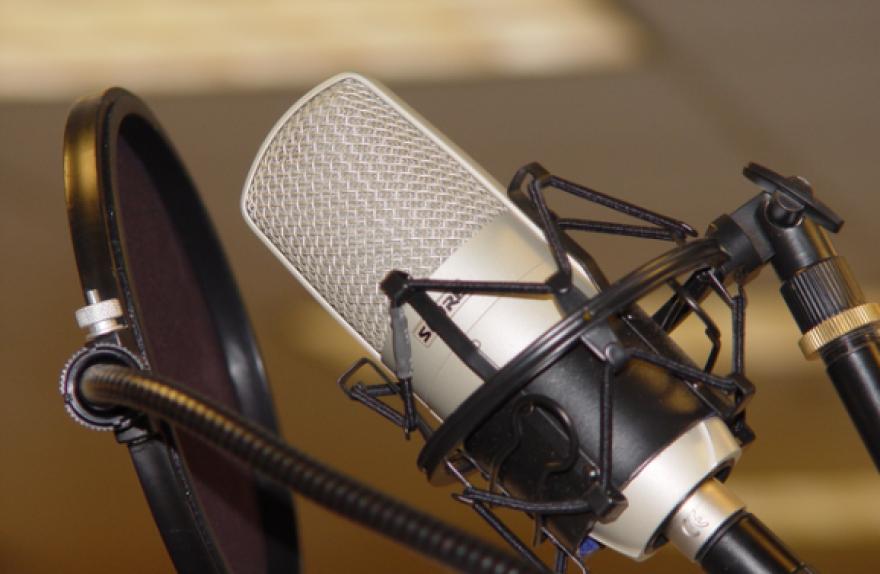radio-djs.png