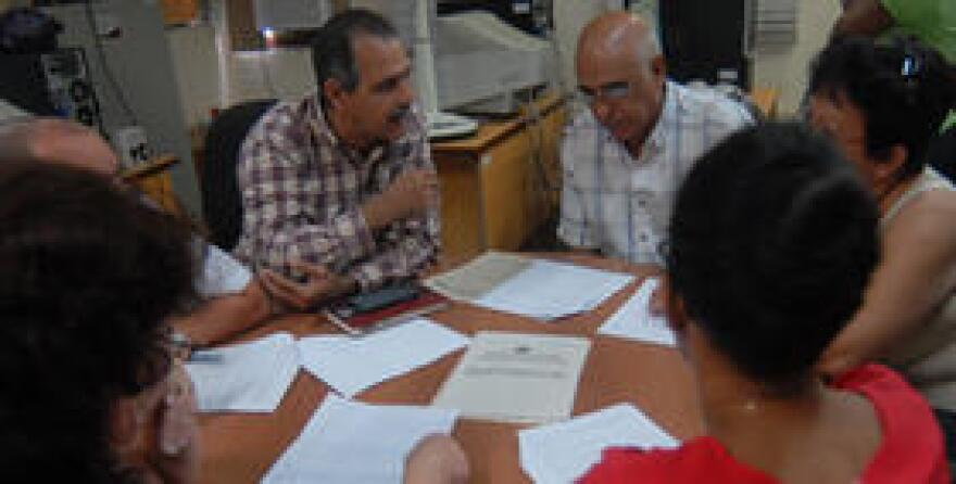 Cuban electoral authorities sift through questions and remarks from Cuban citizens during a recent - and unusual - online forum on elections.