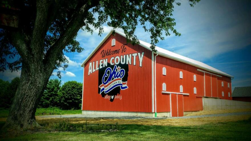 The completed Allen County barn.