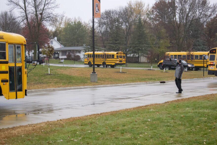 superintendent-waving-bus-1170x780.jpg