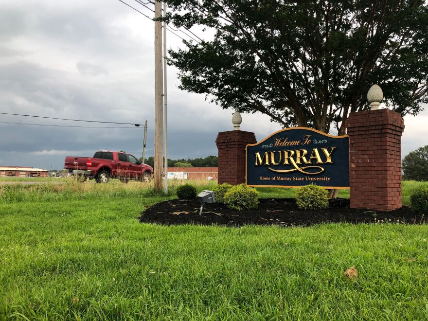 A welcome sign for Murray, Kentucky.