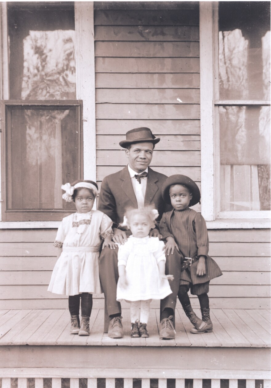 Manitoba James and his children Myrtha, Edna and Mauranee, 1919-25.