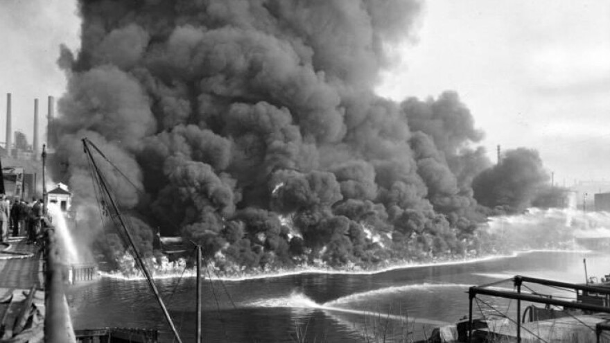 photo of 1952 Cuyahoga River fire