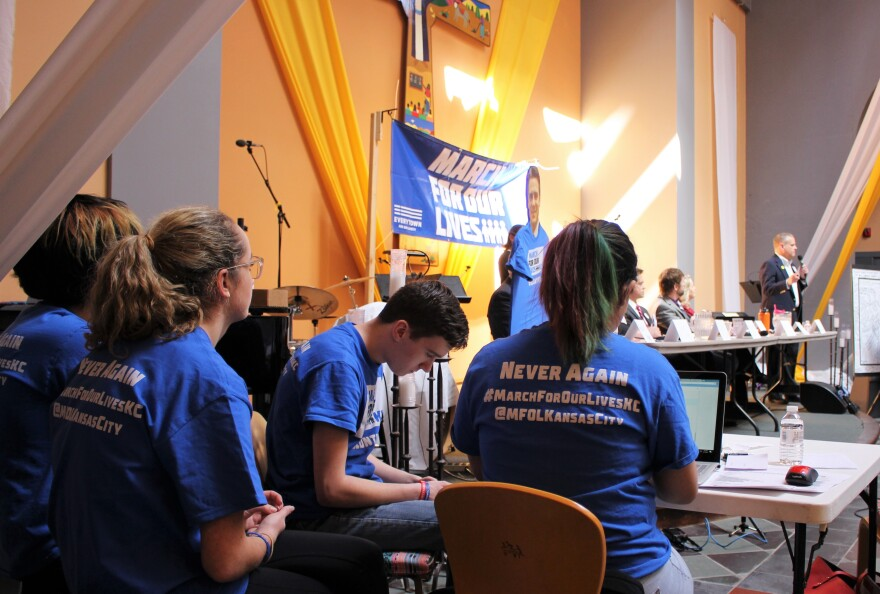 040718_AT_townhallforourlives_students.JPG