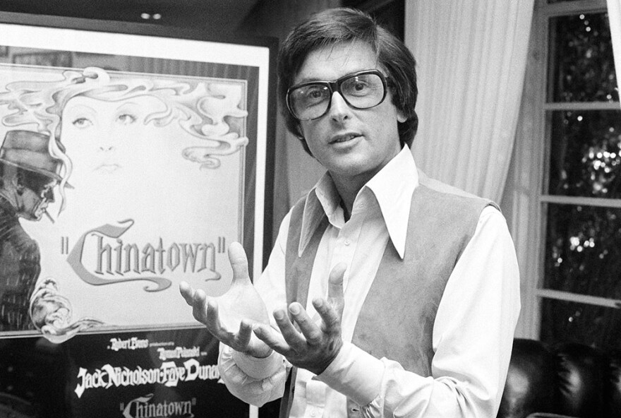 "Paramount Pictures production chief Robert Evans talks about his film ""Chinatown"" in his office in Beverly Hills, Calif., in 1974. (AP Photo/Jeff Robbins)"