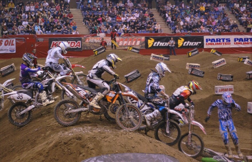 Arenacross_FlickrCC_shortCHINESEguy.jpg
