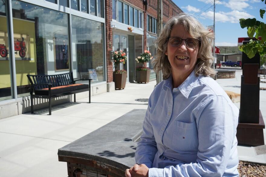 Photo of Helper Mayor Lenise Peterman.