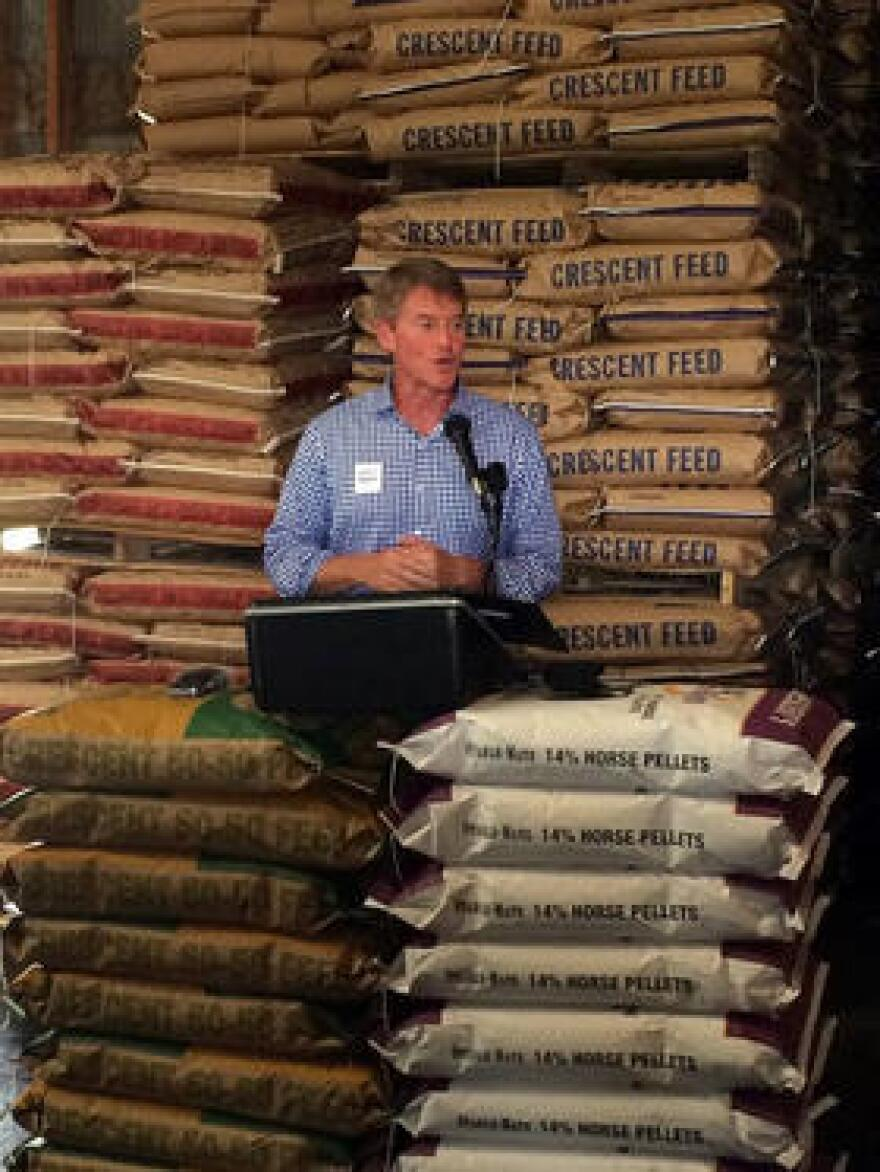 """Chris Koster campaigning for """"right to farm"""" amendment"""