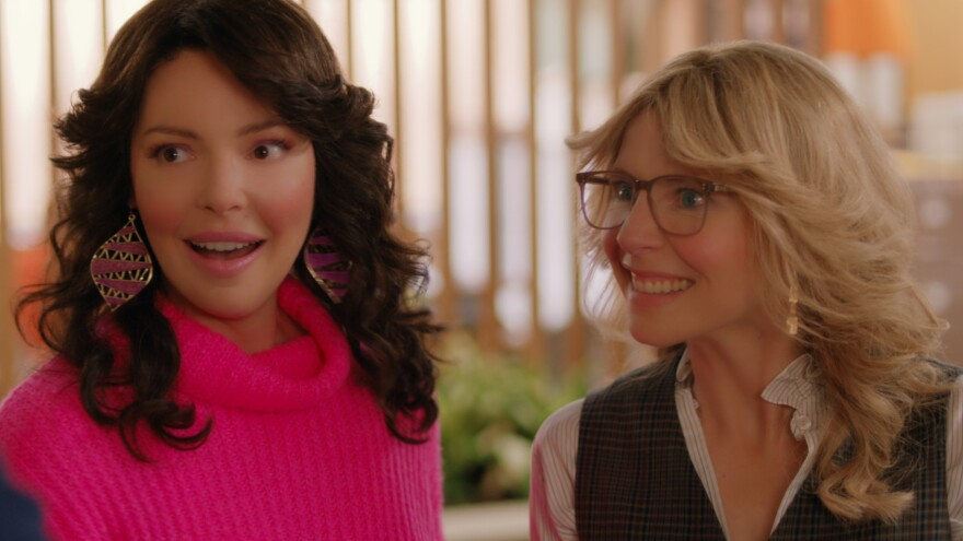 Katherine Heigl and Sarah Chalke are frequently enjoying that feathered hair of the '80s in <em>Firefly Lane</em>.