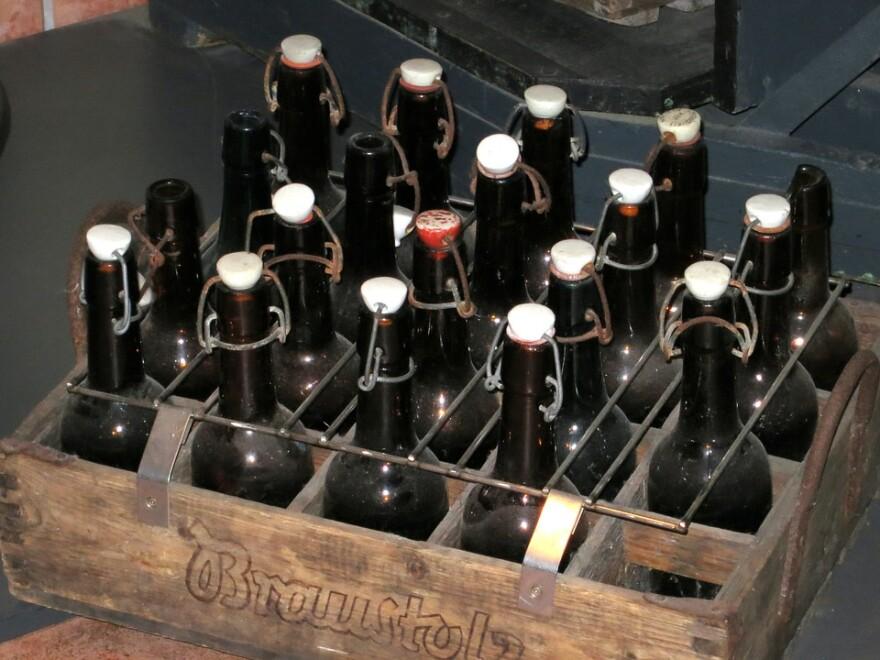 beer_bottles_vintage.jpg