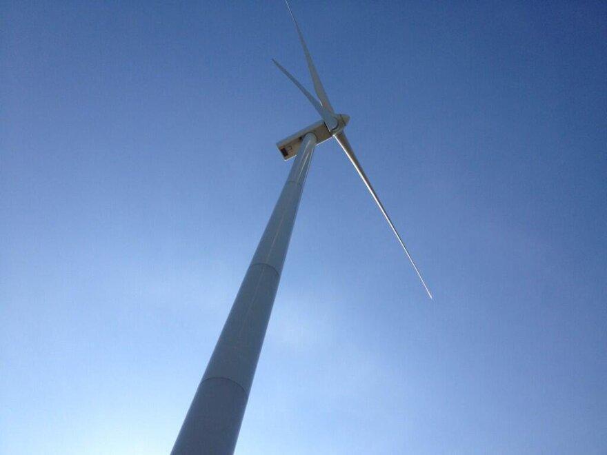 photo of Blue Creek Wind Farm turbine