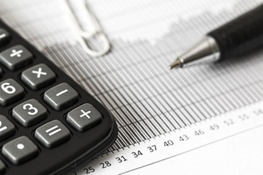 calculator_-_pen-_budget.jpg