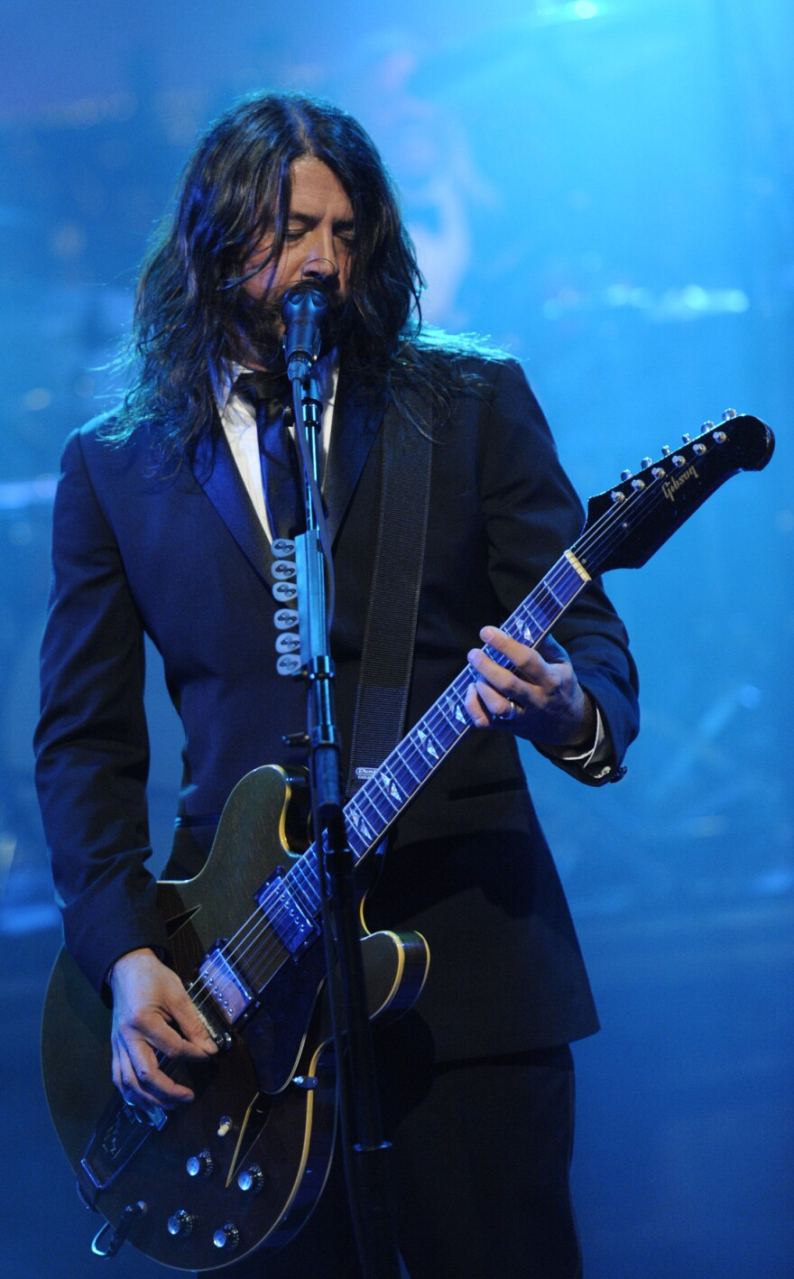 Dave Grohl of Foo Fighters performs during David Letterman's final <em>Late Show</em> broadcast Wednesday.