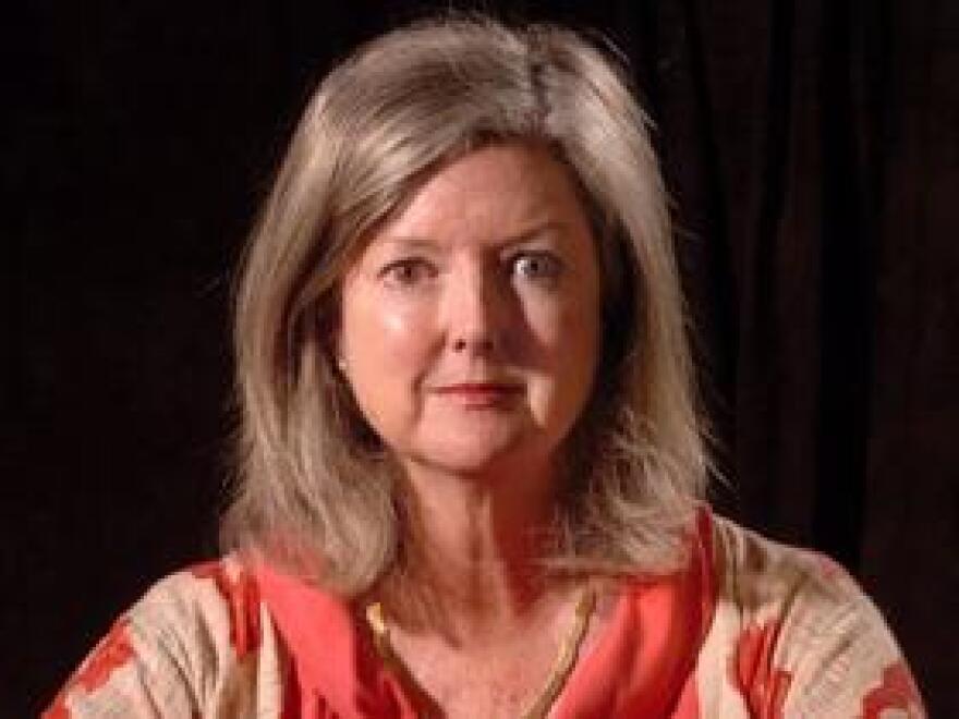 Sarasota Herald-Tribune reporter Barbara Peters Smith