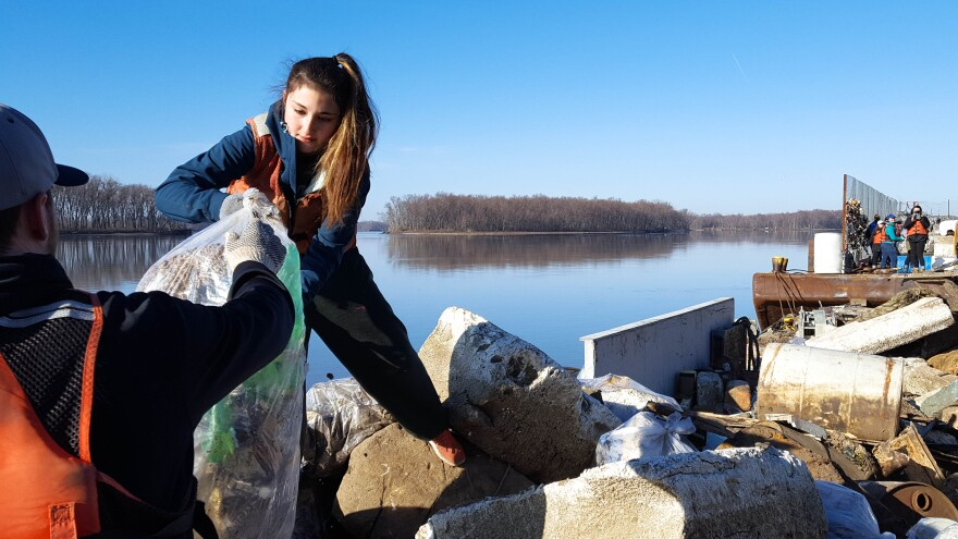 College students in the Living Lands & Waters Alternative Spring Break program hauled roughly 35,000 pounds of garbage from the Mississippi River this year near Grafton, IL.