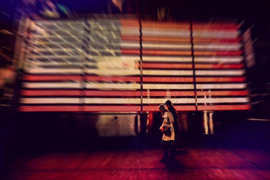 092618_AmericanFlag_DigitalAdBuy_viaThomasHawkFlickrCC.jpg
