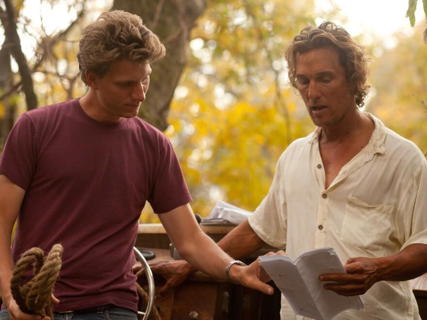 Writer-director Jeff Nichols and Matthew McConaughey on the set of <em>Mud</em>.