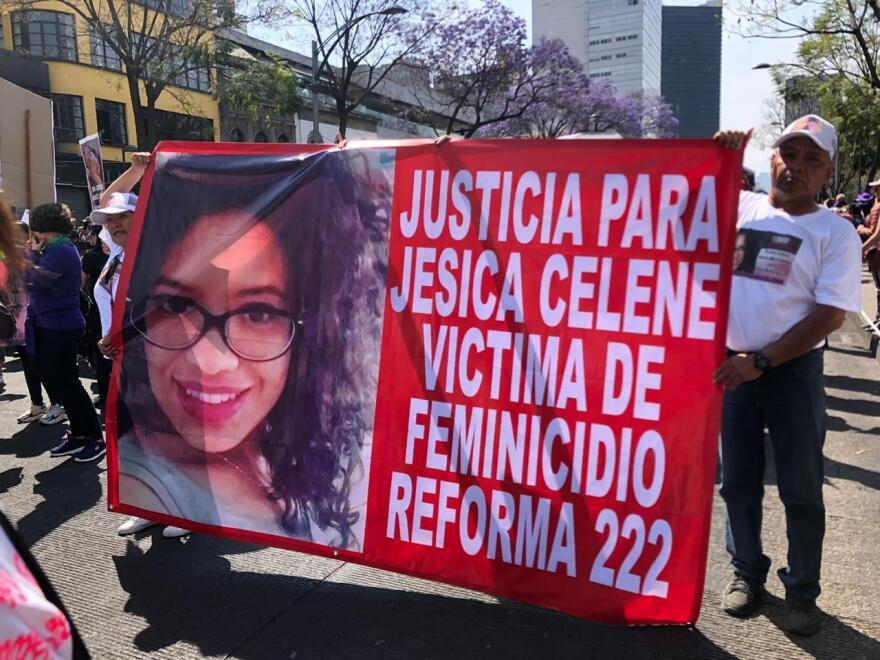 pancartas-con-mensajes-protesta-marcha-feminista-cdmx-dia-de-la-mujer-10.jpeg