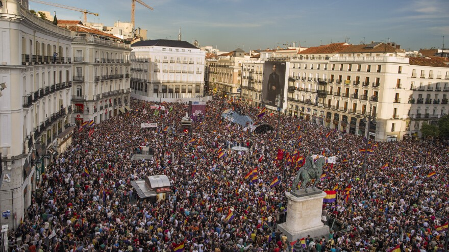 People filled the main square of Madrid on Monday after King Juan Carlos' abdication was announced.