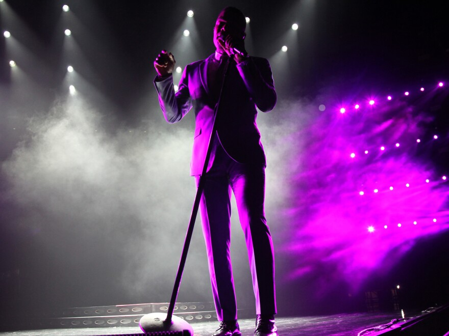Maxwell performing on the opening night of Essence Festival July 1, 2016.